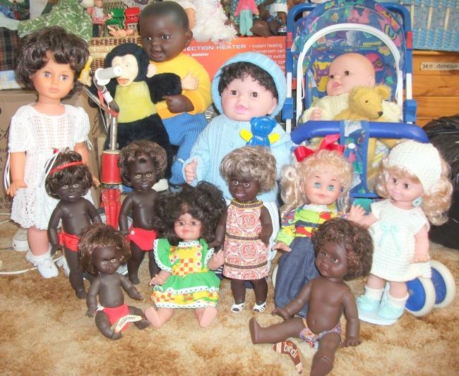 Image Metti and Netta dolls