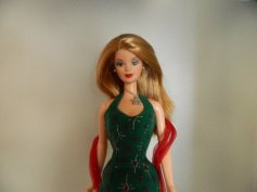Lynne is a Holiday Surprise Barbie from 2000.
