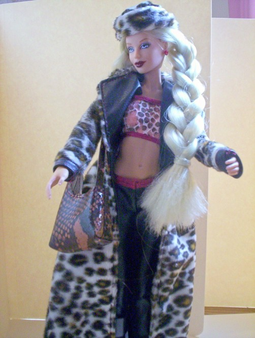 Jakks Pacific Girl Force Creanna in her original outfit