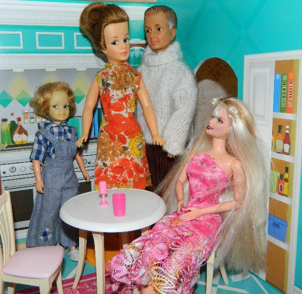 Elsa visits the Tammy House to apologise for the recent intrusions.