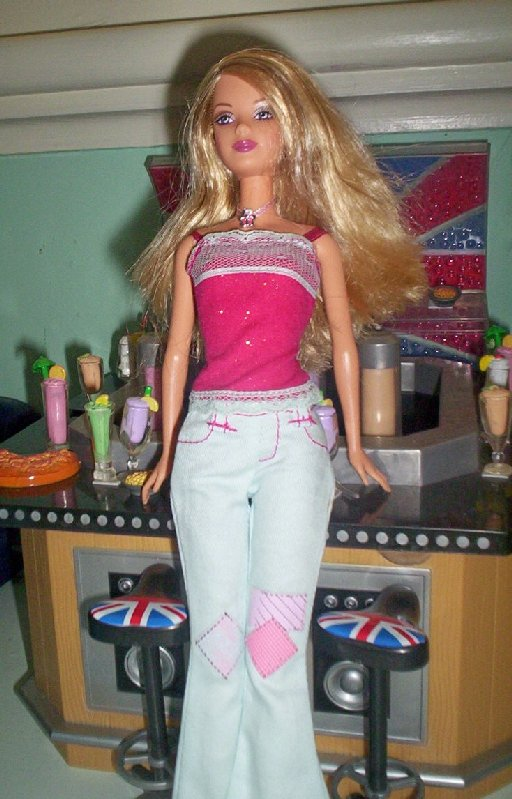 Fashion Fever Barbie Wave K