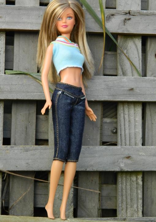 Lauren in the capris and blue top.