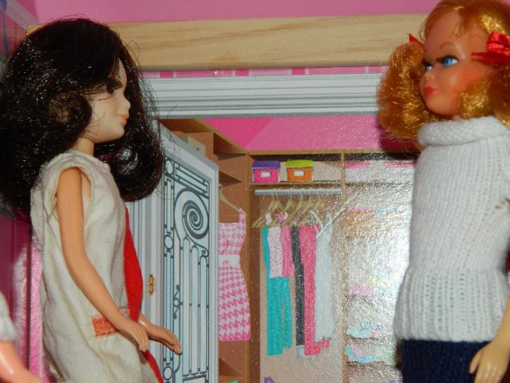 The older girls talk about clothes.