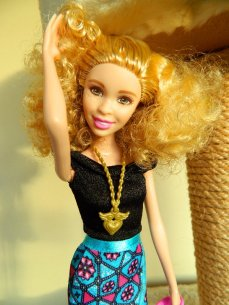 Fashionista Barbie with freckles.
