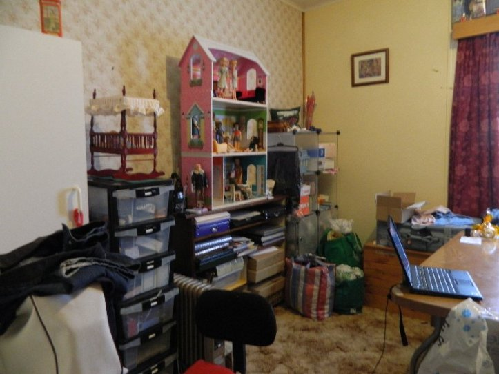 An earlier set up of the dolls room.