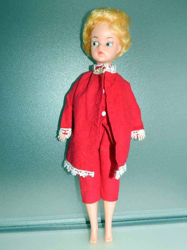 Sindy clone wearing genuine Sindy PJ's and dressing gown.