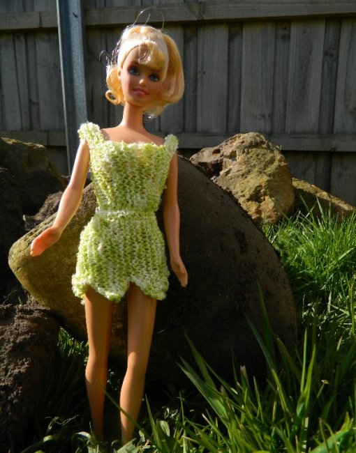 knit barbie dress.Ice yarns 40% polyamide, 50% polyester, 10% lurex. 2mm needles