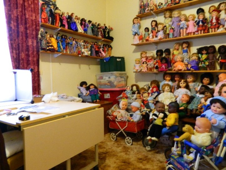 My doll room looking tidy for once.