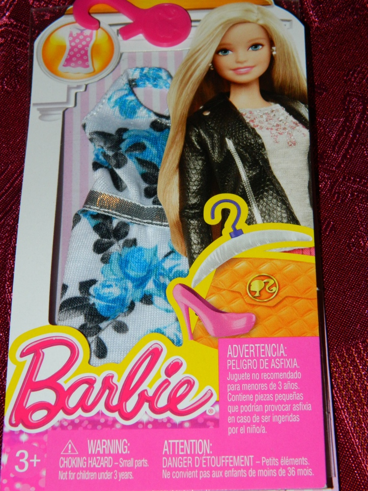 Barbie dress pack