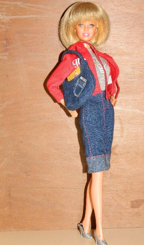 Bonnie wears Australian Designer Mooks fashion