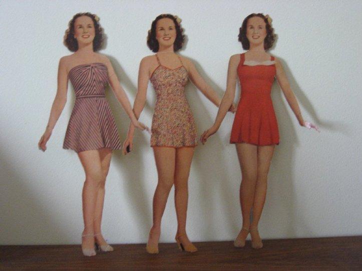 Deanna Durbin paper dolls.