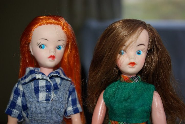 The two long haired clone dolls