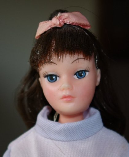 Brunette Dollikins by Uneeda circa 1970