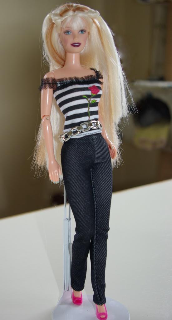 Elsa wears the striped top.
