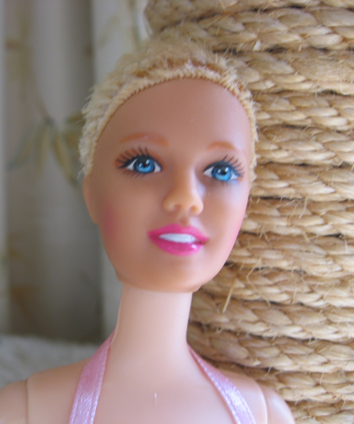 Bonnie gets a drastic hair cut.