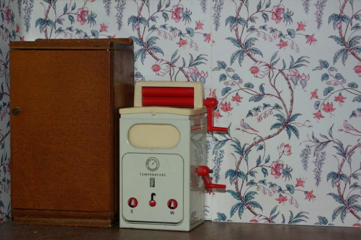 Metal washing machine by Brimtoy.