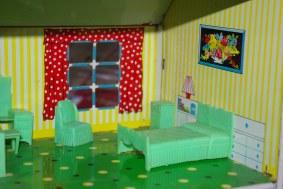 Marx Traditional Bedroom suite.