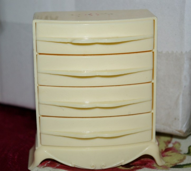Plasco chest of drawers with working drawers.