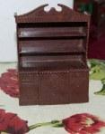Kleeware dresser