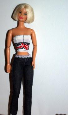 This top makes Midge's waist look tiny.
