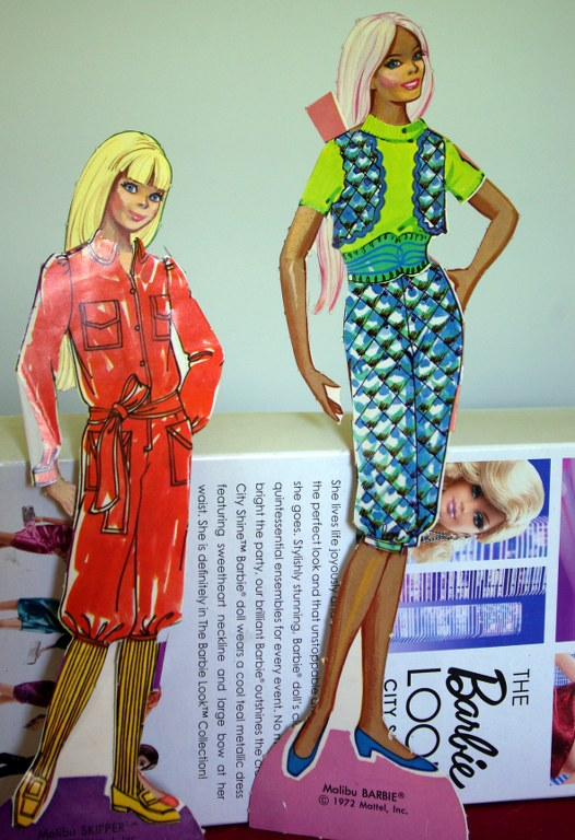 Barbie and Skipper in knickerbocker outfits.