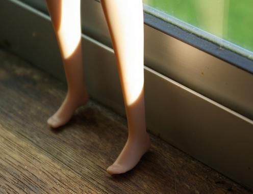 She has flat feet!!
