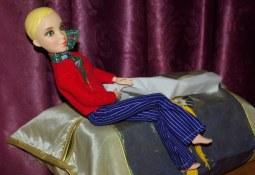 Liv dolls have flat feet.