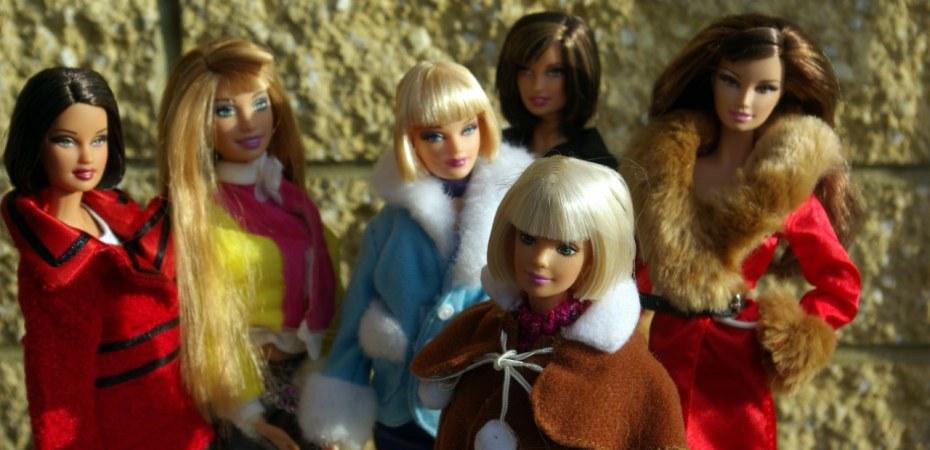 fashion dolls in coats